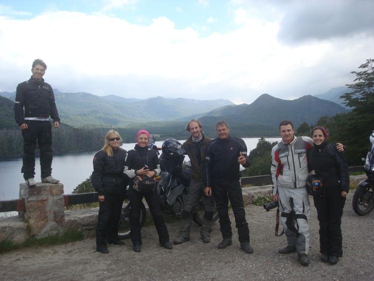 El grupo x el cruce de lagos