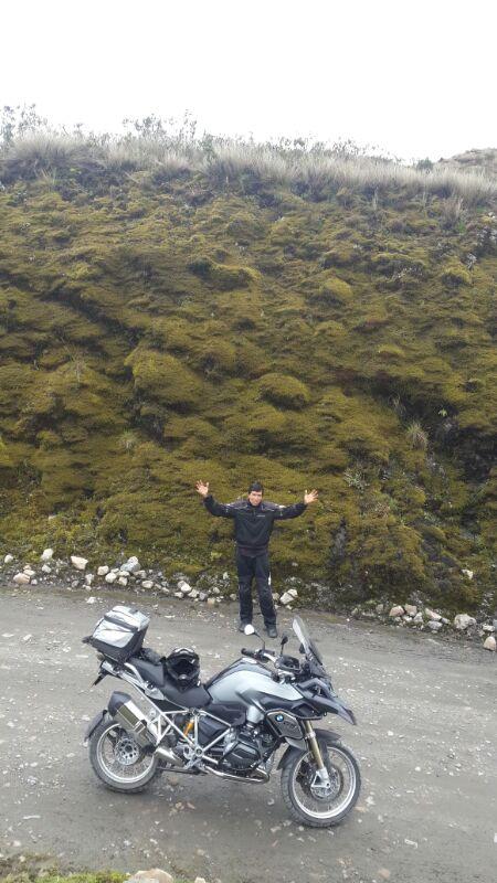 Hernando estrenando BMW y extasiado en el Paramo