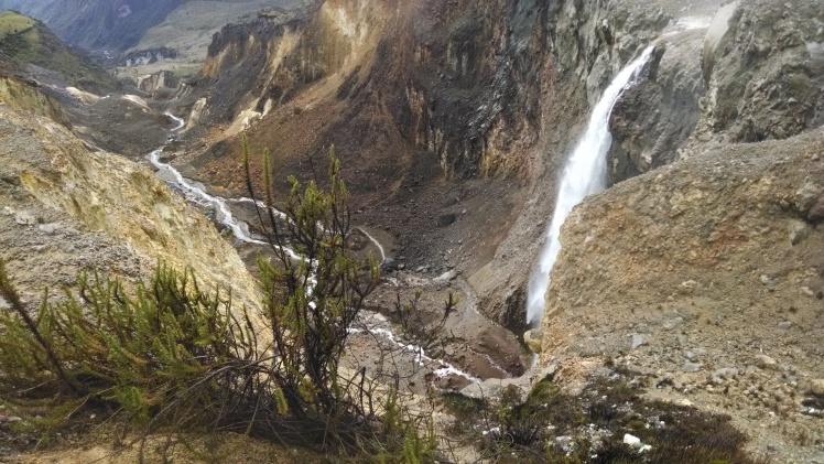 Cañon del Rio Azufrado por donde comenzo la avalancha famosa del 85