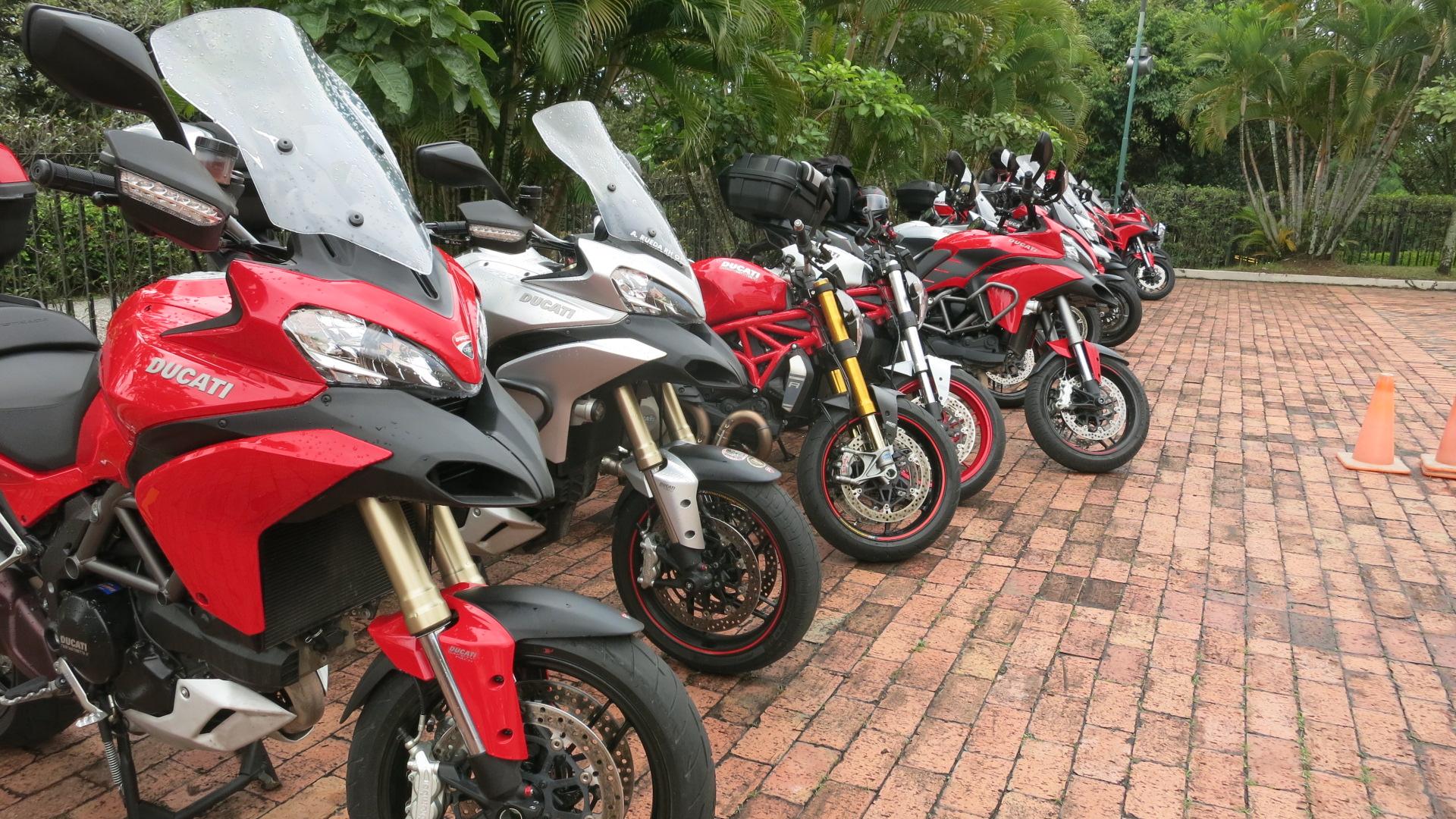 Motos en el Hotel